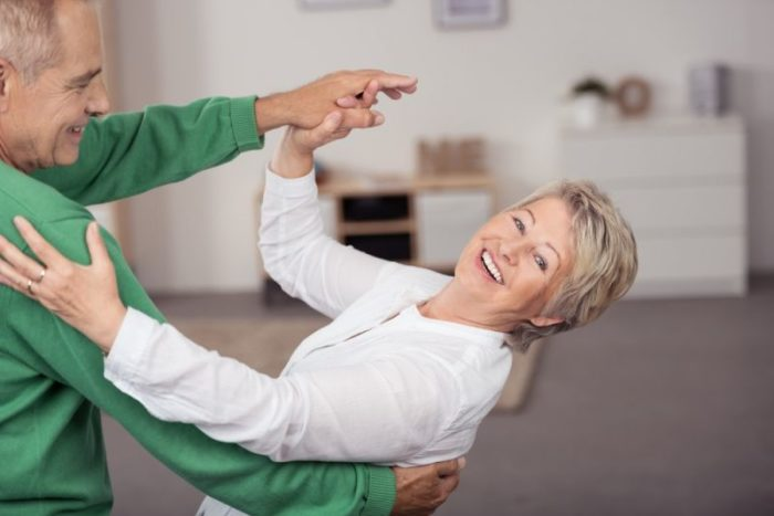 Późna aktywność fizyczna – jak wpływa na nasze nogi